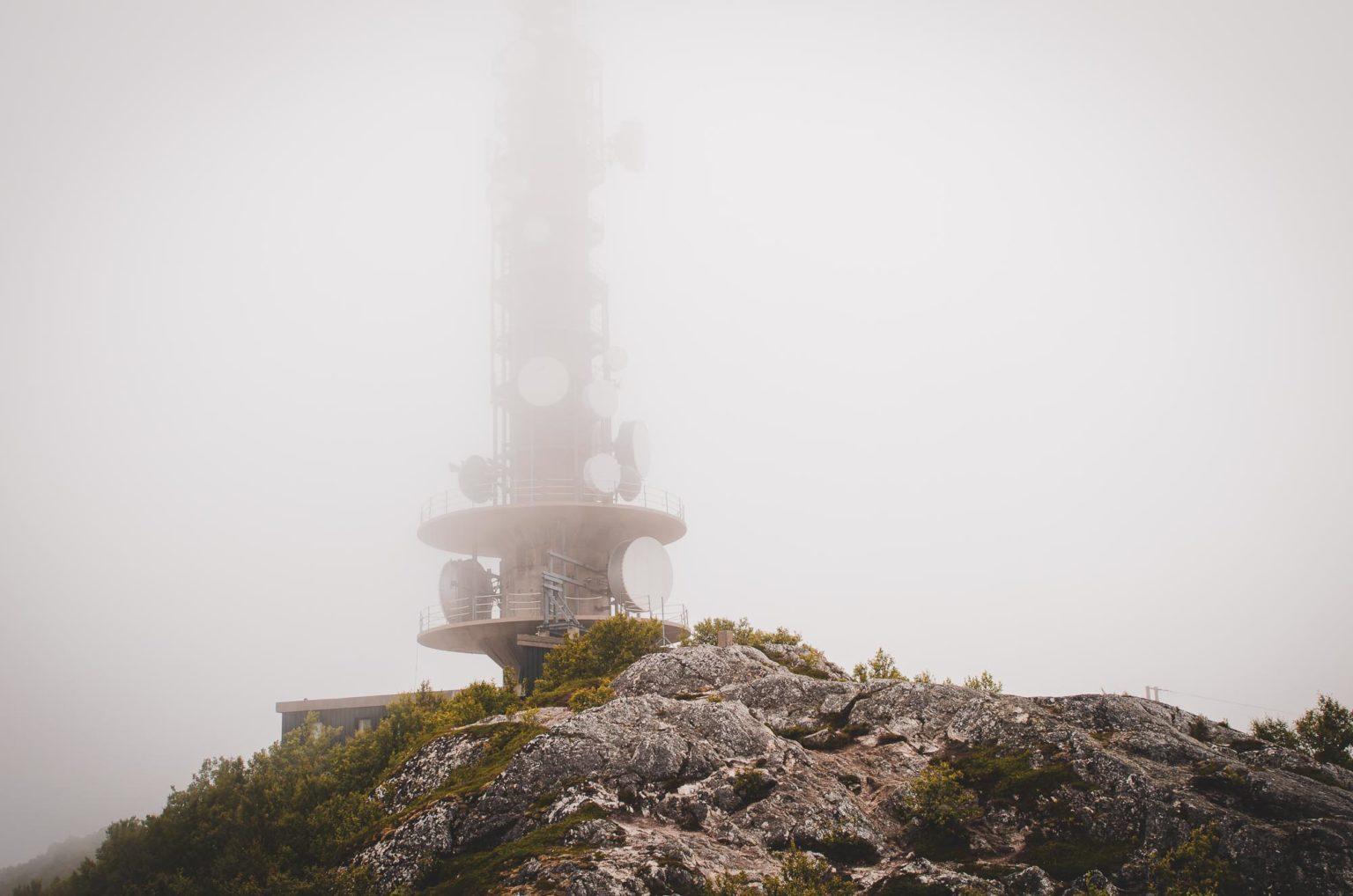 Przekaźnik we mgle