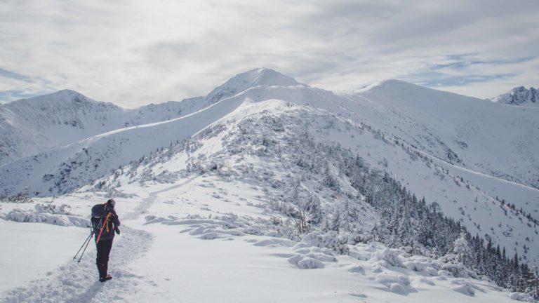 Osoba w górach