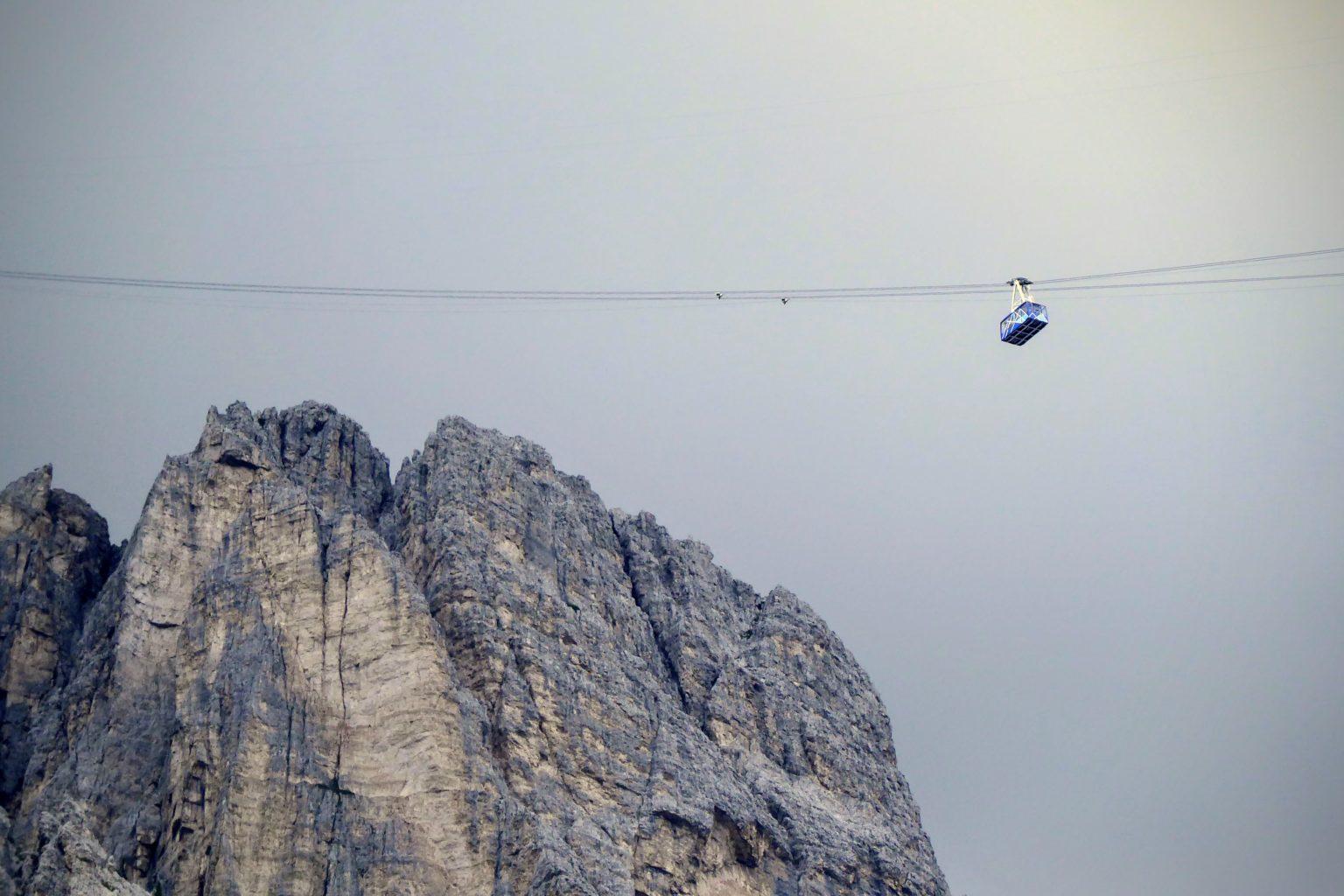 Kolejka górska w Dolomitach