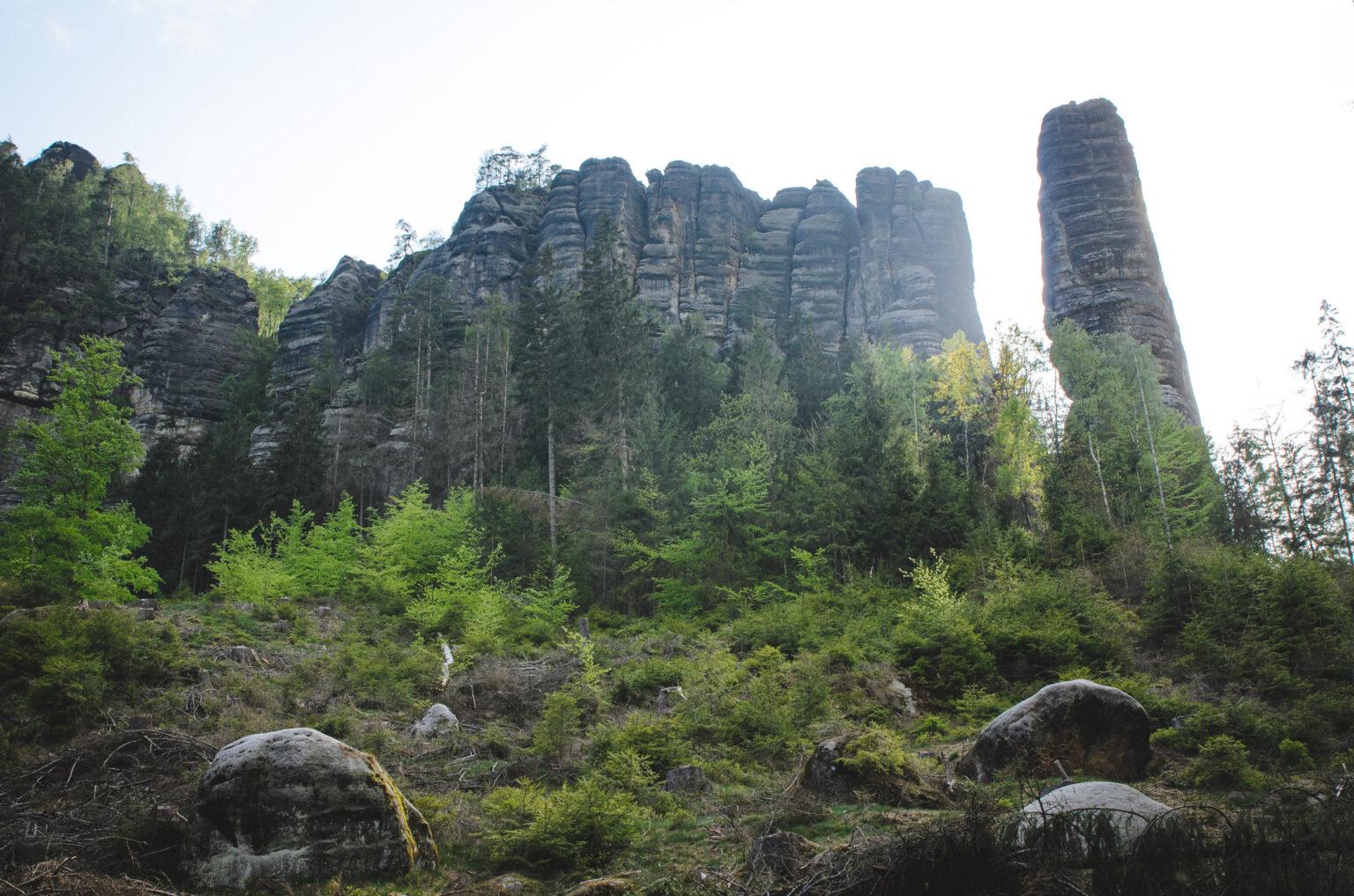Grupa skalna wraz ze skałą Bloßstock