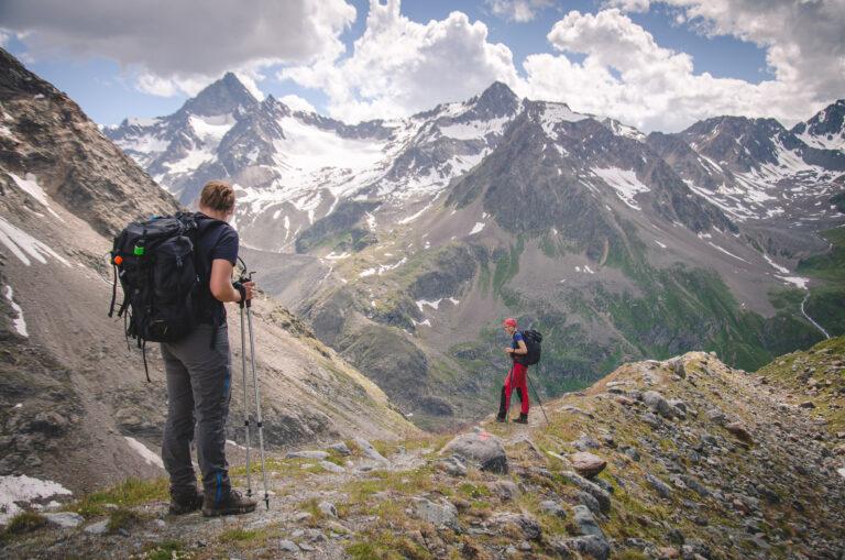 Turystki na szlaku pod Schrankoglem
