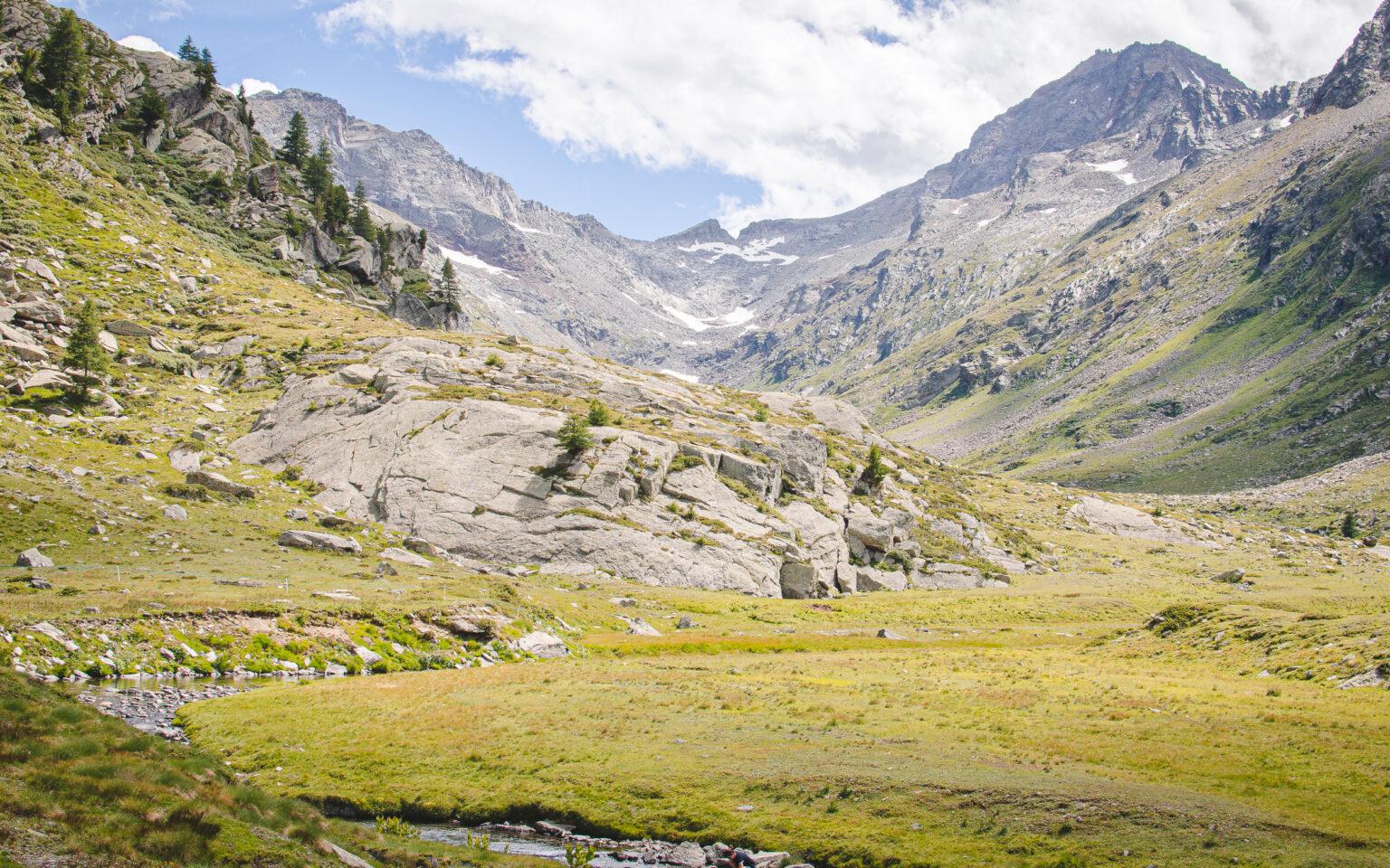 Widok na Dolinę Bardoney - włoskie Alpy Graickie