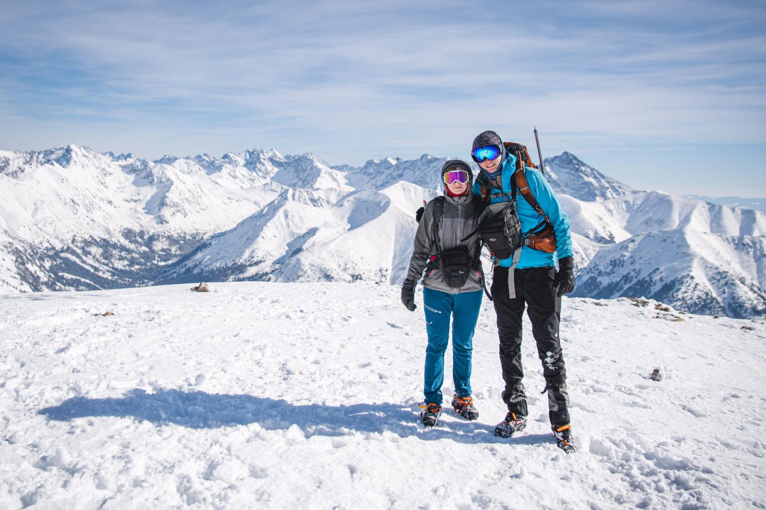Turyści na szczycie Małołączniaka