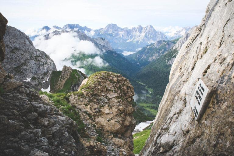 Ferrata Sartor na szczyt Monte Peralba, w tle Alpy Karnickie